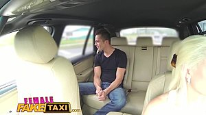 Female Fake Taxi Orgasmus